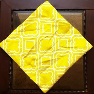 Other - NWOT🛵Pillow Cover🛵Yellow & White